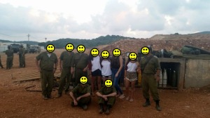 2014 07 17 picture with soldiers smilies